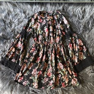 PRE LOVED BOOHOO floral long bell sleeve dress